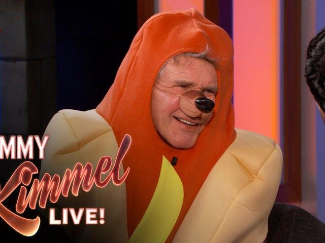 Ini Harrison Ford, Berpakaian sebagai Hot Dog, Berbicara Tentang Star Wars
