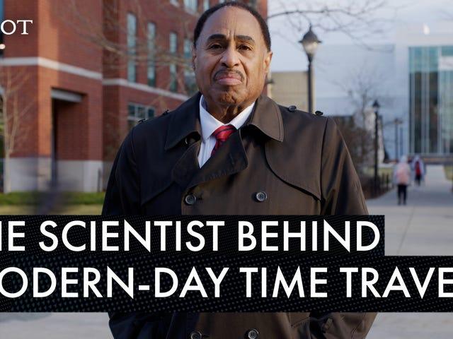 Schwarz in die Zukunft: Dieser Wissenschaftler könnte den Schlüssel zur Zeitreise in der Hand halten