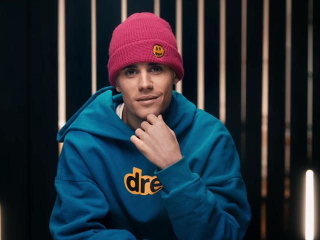 Si Justin Bieber ay handa na para sa kanyang pagbalik sa trailer para sa kanyang bagong serye ng web series