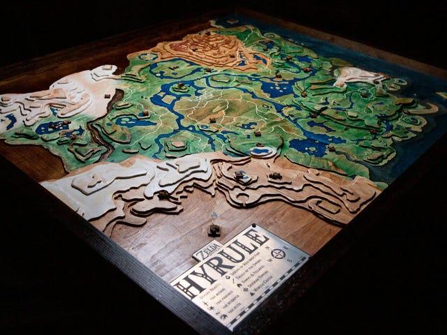 Quạt Zelda xây dựng bản đồ Hyrule bằng gỗ khổng lồ