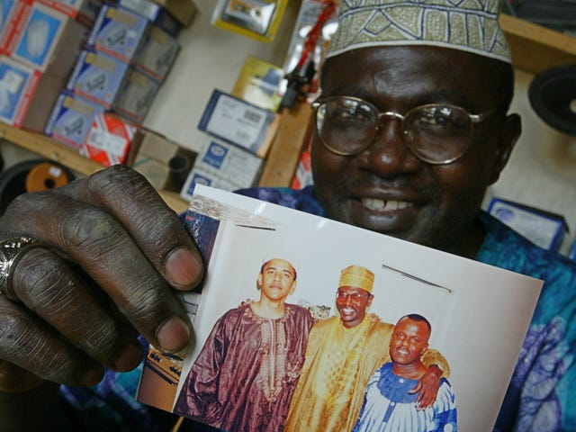 Donald Trump Will Bring President Obama's Half-Brother Malik To the Final Presidential Debate