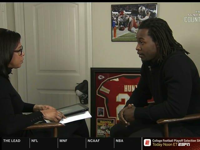 """Kareem Hunt ESPN: n haastattelussa: """"Tajusin, mitä olen kerran nähnyt videon"""""""