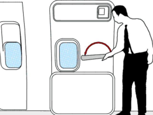 Esto es lo que pasa si abres la puerta de salida de un avión en mitad de un vuelo, según la ciencia