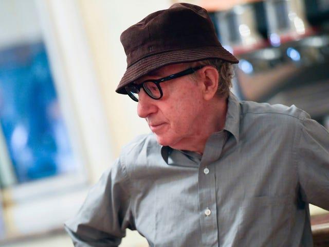 Ser ud til at Hachette slet ikke vil frigive det Woody Allen-memoir