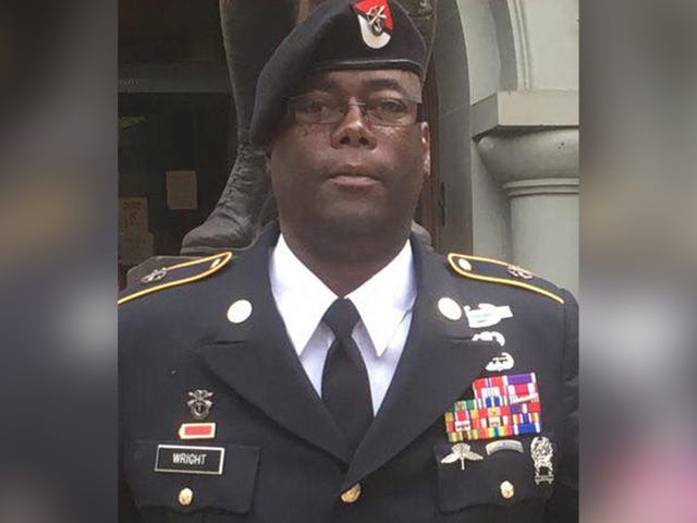 It Turns Out This 'Decorated Army Hero' Must Have Earned a Distinguished Medal for Lying-Ass Liars