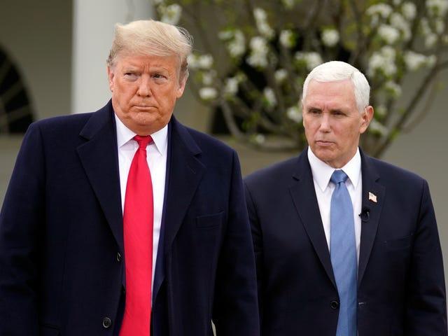 Anda Tahu Apa Yang Lebih Bodoh Daripada Trump Mengatakan Dunia Akan Kembali Normal Dalam Tiga Minggu?  Mendengarkan Dia