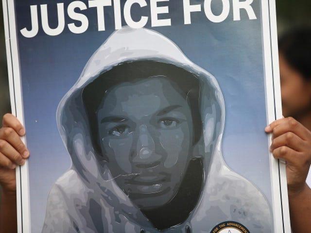 Fla. Memorial University sa Posthumously Award Bachelor's Degree sa Aeronautical Science sa Trayvon Martin: Report