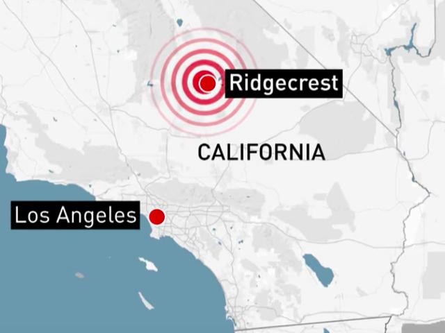 カリフォルニアの地震の間に車が明らかにジャックから落ちた後、彼のジープに取り組んでいる男は死んだ:警察