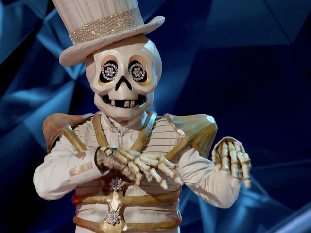 It's Debu to Dust For the Skeleton on The Masked Singer
