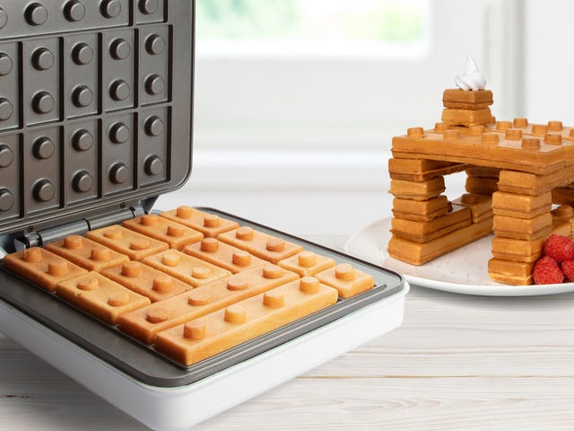 Den här byggstenen våffla tillverkare är som att äta lego till frukost
