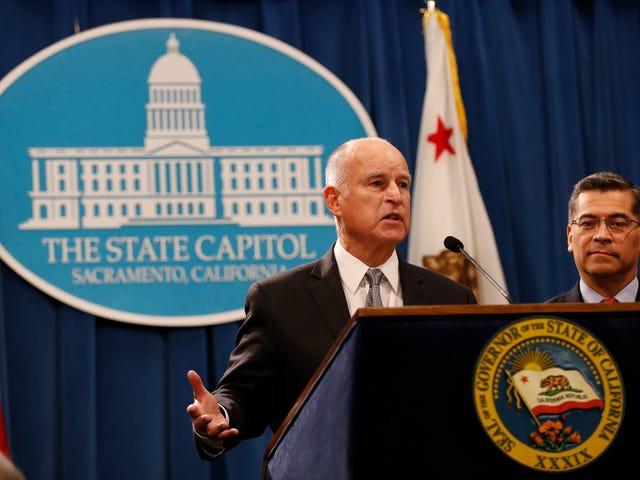 Hóa đơn trung lập ròng của California đã ký thành luật