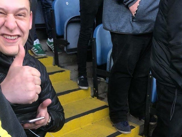 Leeds Fan Breaks Ankle While Celebrating A Goal, Waits Until After The Game To Go To Hospital