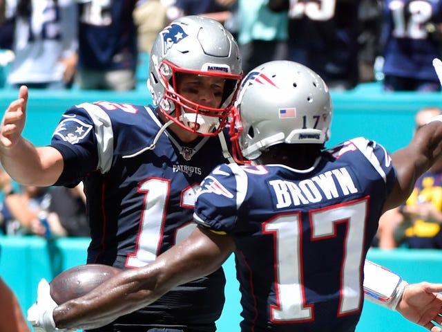 Tom Brady rusler uforståelig om samfunnet når han blir spurt om Antonio Brown
