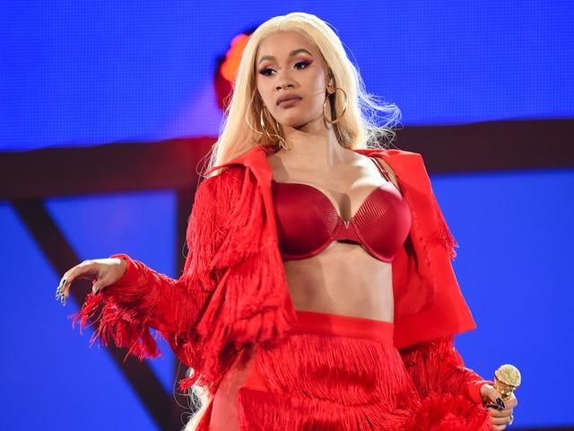 Los fanáticos de Nicki Minaj siguen atormentando a Cardi B
