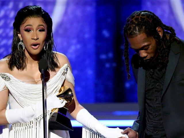 Cardi B, En İyi Rap Albümü için Grammy'yi Kazanan İlk Yalnız Kadın.