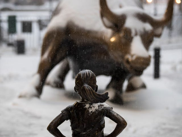 Artist Who Created Charging Bull Statue Says Fearless Girl Statue Is Ruining Everything