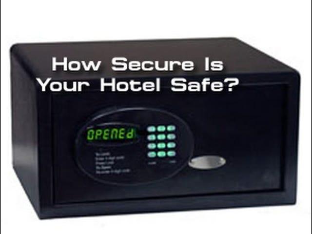 अधिकांश होटल सेफ में एक छिपा हुआ ताला होता है, जिसे तोड़ने में आसान है