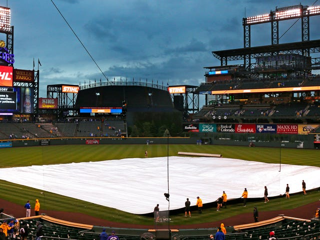 Denver Post's Guide To Rockies' Stadium Features Big-Ass Photo Of Phillies' Stadium