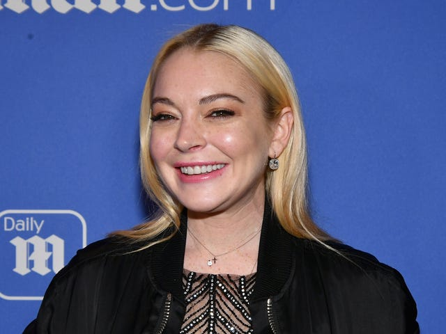 Lindsay Lohan Approves of Ariana Grande's Mean Girls Tribute... Kind Of
