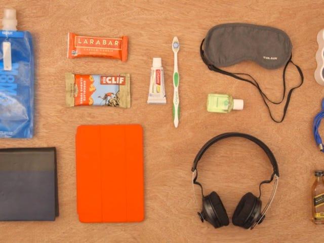 9 cosas que tiene que haber en tu equipaje de mano para sobrevivir a un vuelo largo