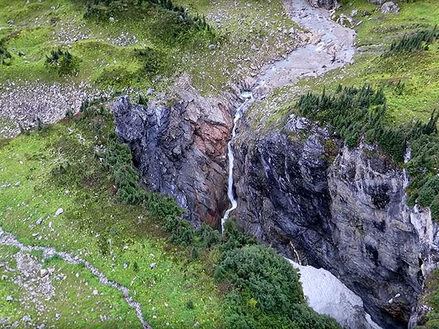 Los descubridores de la cueva en Canadá mantienen su ubicación secreta para evitar a los turistas de Instagram