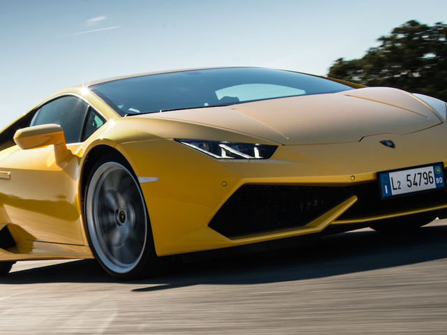 Tourist in Dubai Fined Over $46,000 for Speeding in Lamborghini Huracan