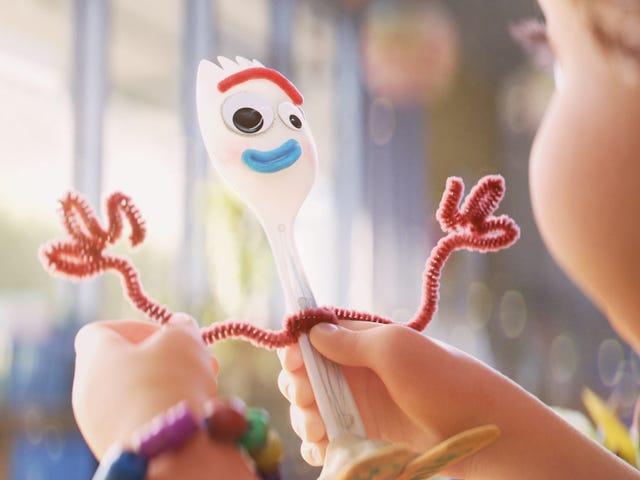 Disney erinnert sich wegen Erstickungsgefahr an Forky Toy und setzt die Handlung von Toy Story 5 elegant in Forky