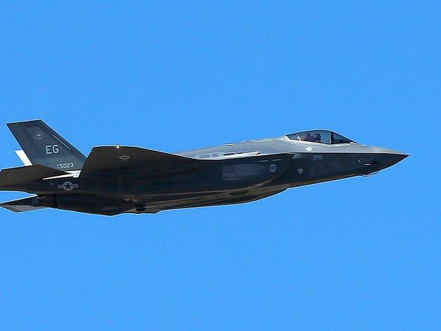 L'US Air Force attire le géant Dick dans le ciel et prétend que c'était un accident