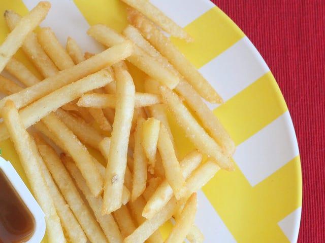 Prepara le patatine fritte di McDonald in stile retrò con il sego bovino