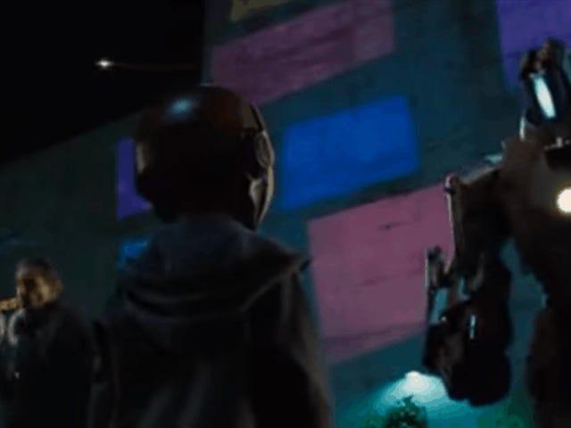 Tom Holland, acteur et interprète d'un Spider-Man, confirmé par Peter Parker dans <i>Iron Man 2</i>