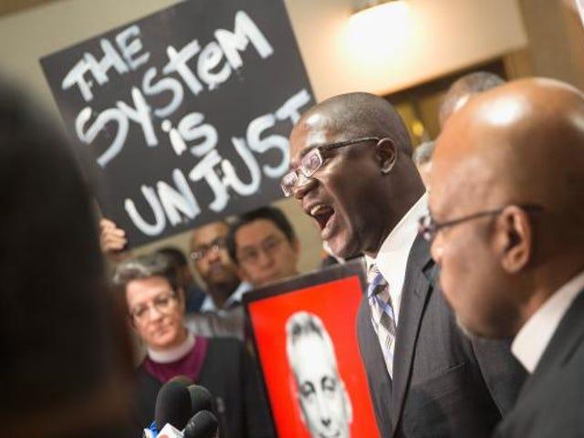 Rättvisa avdelning för att undersöka Chicago polis efter Laquan McDonald Case