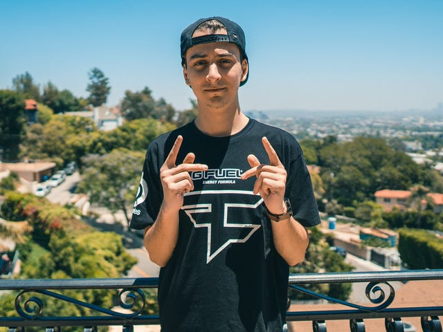 Another Popular Twitch Streamer Is Trying To Leave FaZe Clan