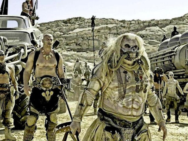 <i>Mad Max: Fury Road</i> fotos de <i>Mad Max: Fury Road</i> son tan metálicas