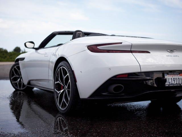 นี่คือสติกเกอร์หน้าต่างสำหรับ A $ 264,649 Aston Martin DB11 Volante
