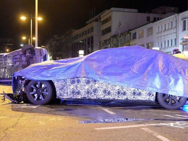 Sentient BMW Concept-Car devient ivre, attaque MB Police Van.