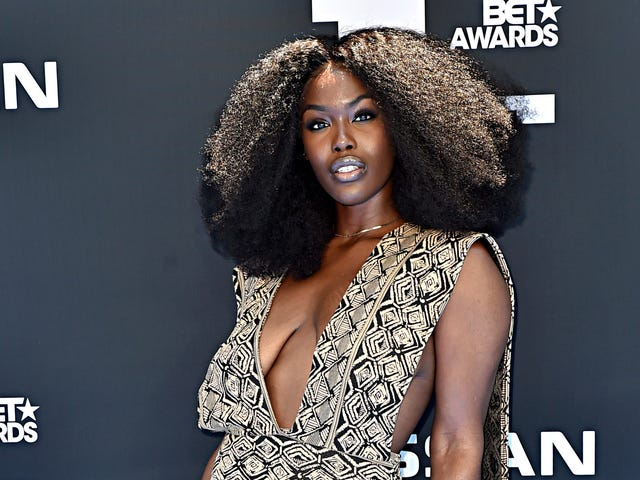 No Bra? Not Your Business: Singer Tanérelle Claps Back at Breast-Shamers