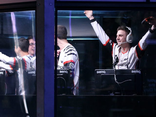 Why 2016 Will Be the Year of E-Sports