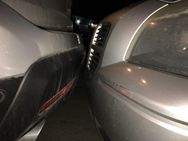 Meu pai estaciona perto ...