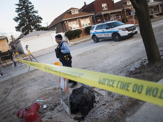 Chicago Police Department Holds Back as Bloodshed Rises: Report