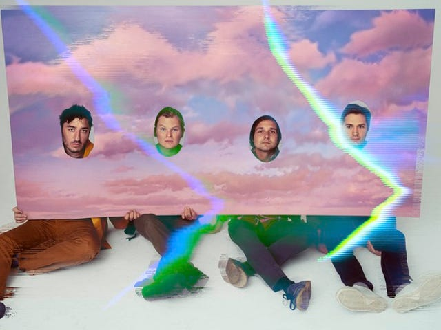 """<a href=https://music.avclub.com/grizzly-bear-returns-with-some-beautiful-sounds-inspire-1798191949 data-id="""""""" onclick=""""window.ga('send', 'event', 'Permalink page click', 'Permalink page click - post header', 'standard');"""">Grizzly Bear revient avec de beaux sons inspirés des mauvais moments</a>"""