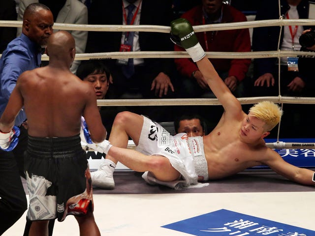"""La """"lucha"""" de Floyd Mayweather con un prodigio japonés de kickboxing era más tonta de lo que cualquiera podría haber esperado <em></em><em></em>"""