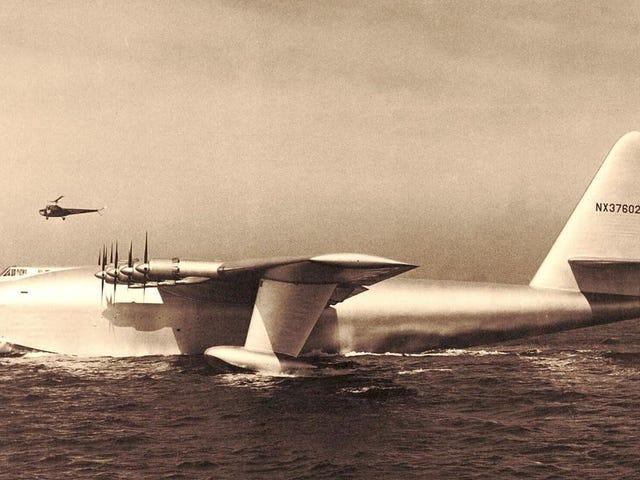 """Howard Hughes """"Świerkowa gęś"""" wykonał swój pierwszy (i jedyny) lot 72 lata temu"""