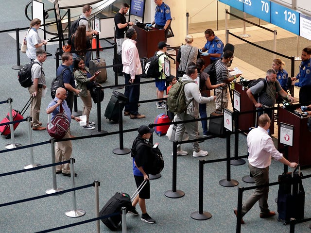Off-Duty TSA Officer Jumps to His Death at Orlando International Airport