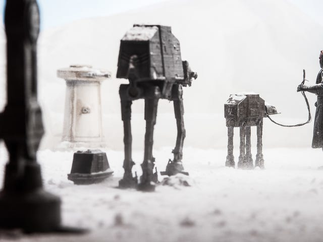 There's Some Serious Star Wars Toy Photography in This Unofficial Last Jedi Art Exhibition