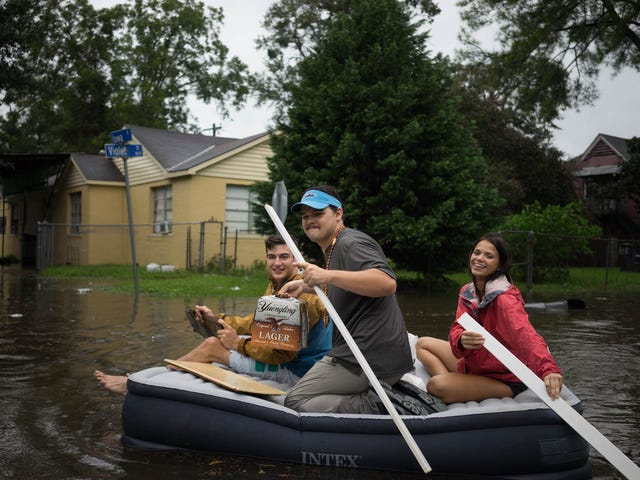 I went out in the Baton Rouge Flood and took these pictures!