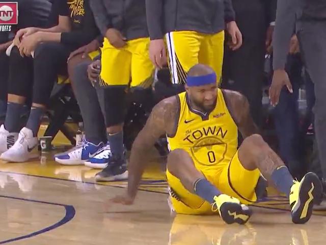 Primos de DeMarcus limpam fora do jogo com lesão nas pernas sem contato