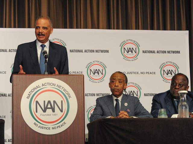 Ерік Холдер порушується проти придушення виборців у Конвенції NAN: «Шахрайство виборцям не було проблемою, поки люди кольору не почали випускати виборчі бюлетені»