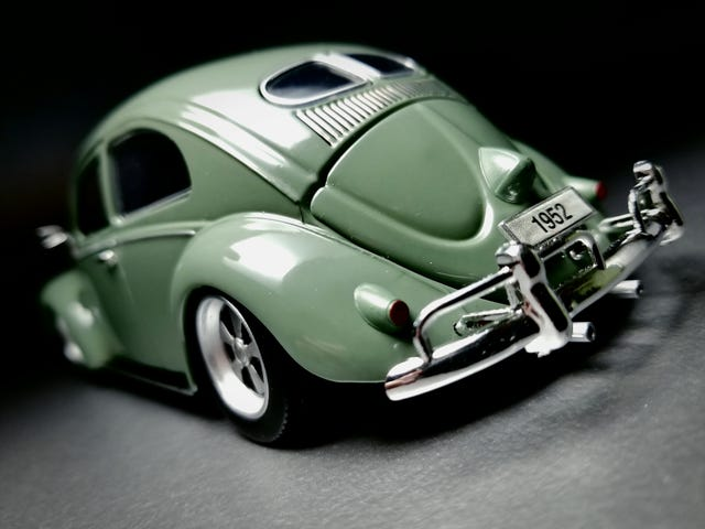 Cal-look Custom: 1952 Split Window on Fuchs