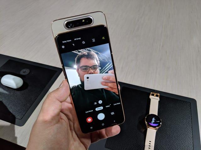 Los fabricantes de fundas se las ingenian para proteger el nuevo Galaxy A80