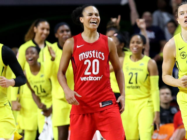 Kristi Toliver Becomes First Active WNBA Player To Join NBA Coaching Staff